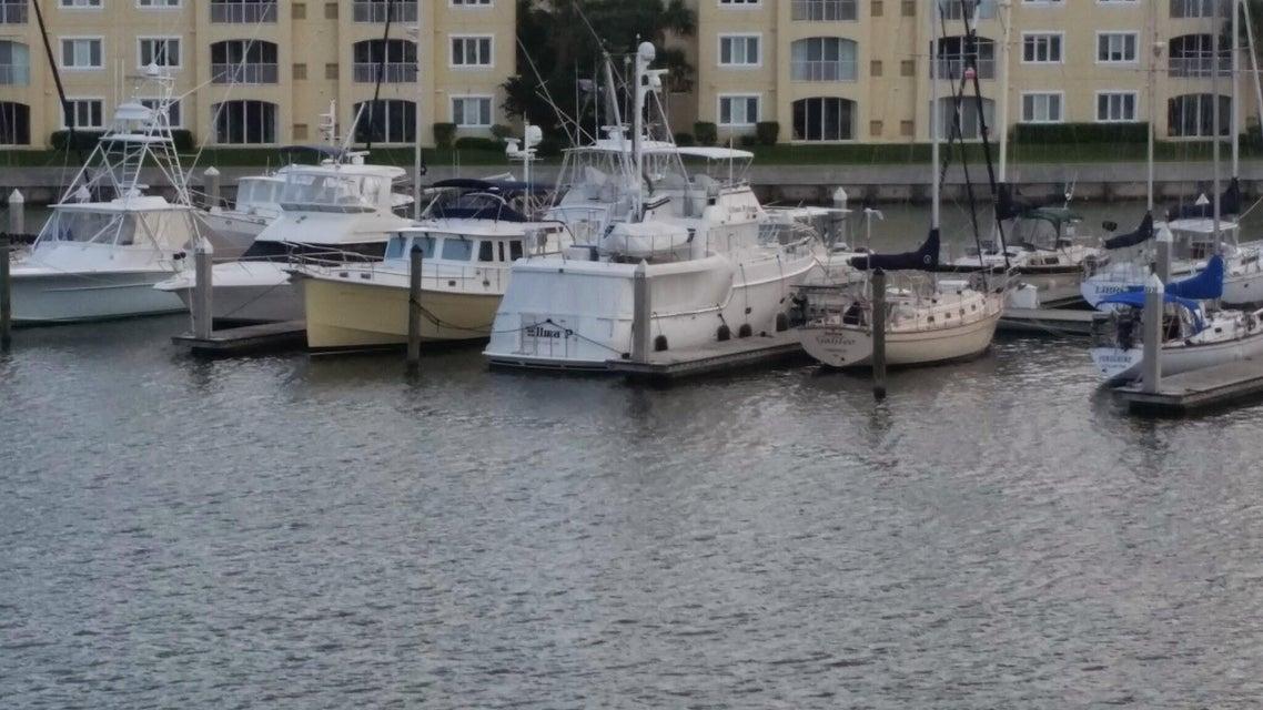 10 Harbour Isle Drive E 303, Hutchinson Island, FL 34949