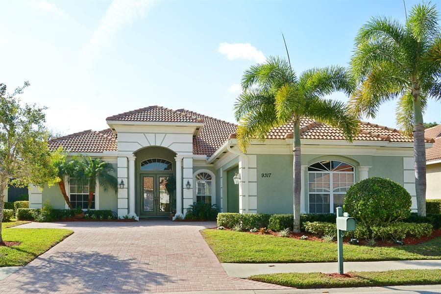 Single Family Home for Sale at 9317 Briarcliff Trace 9317 Briarcliff Trace Port St. Lucie, Florida 34986 United States