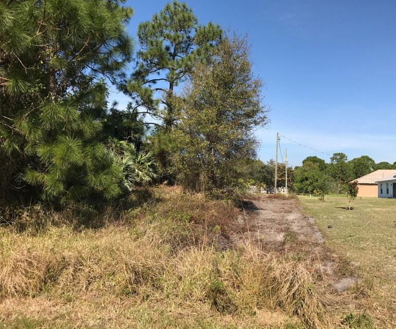 Additional photo for property listing at 1997 SW Brisbane Street  Port St. Lucie, Florida 34984 United States
