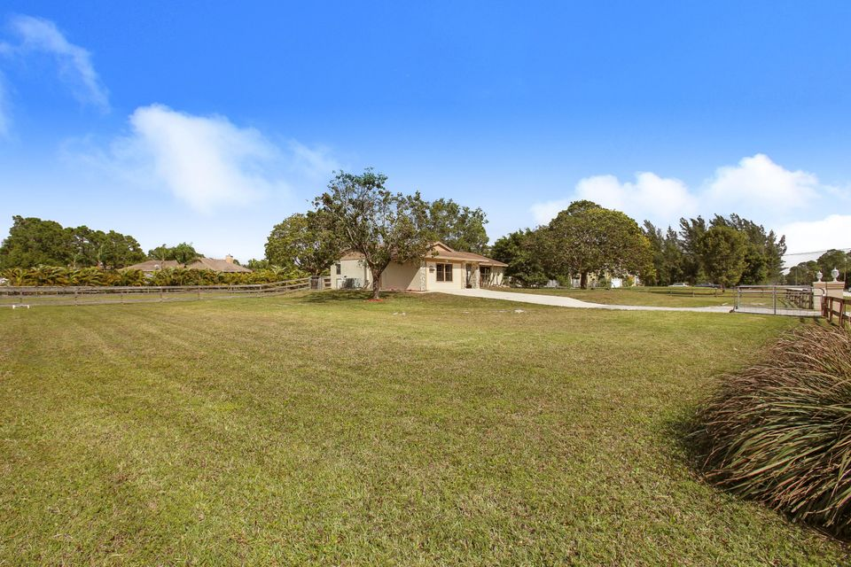 12483  67th Street is listed as MLS Listing RX-10309487 with 19 pictures