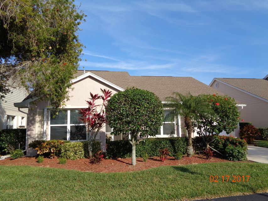 393 NW Sherry Lane, Port Saint Lucie, FL 34986