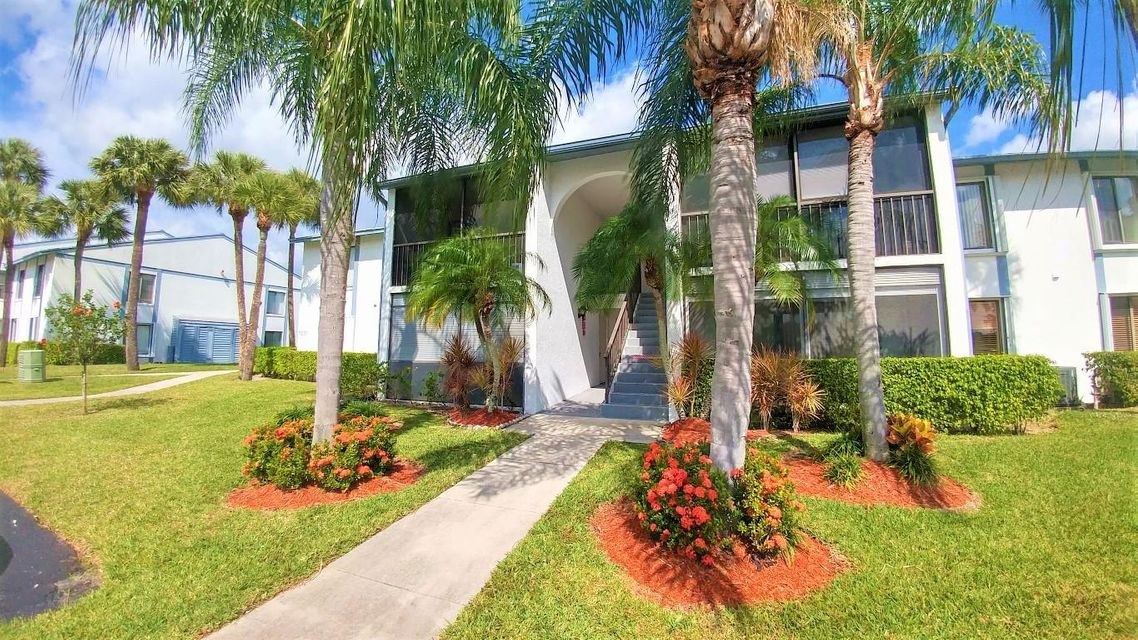 1001  Green Pine Boulevard is listed as MLS Listing RX-10309625 with 18 pictures