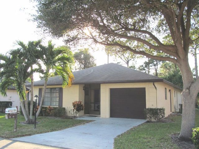 6333 Tall Cypress Circle , Greenacres FL 33463 is listed for sale as MLS Listing RX-10312320 37 photos