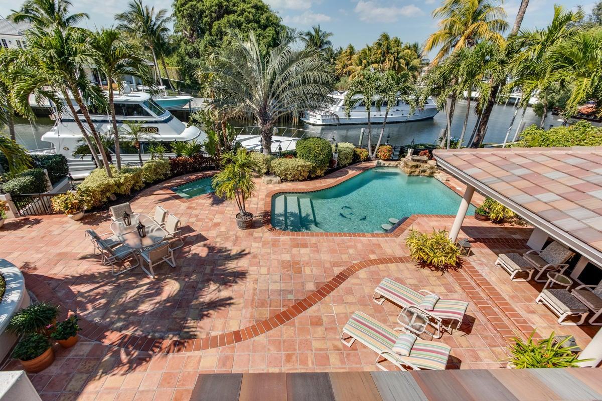 431 E Coconut Palm Road