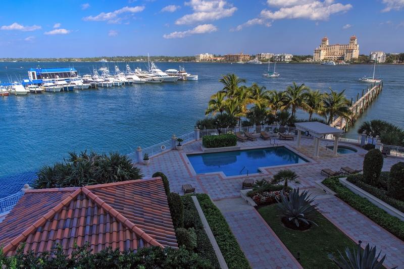 Coopérative / Condo pour l Vente à 622 N Flagler Drive 622 N Flagler Drive West Palm Beach, Florida 33401 États-Unis