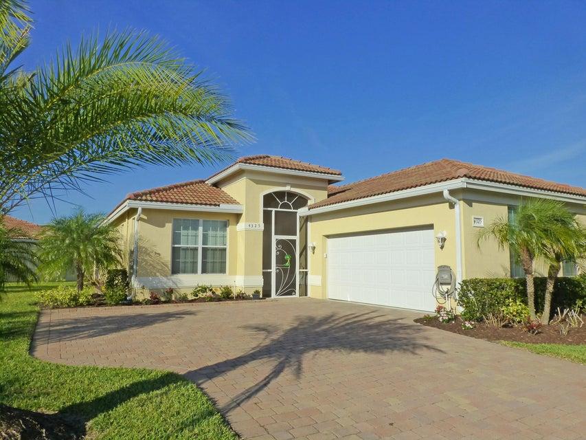 4325 NW Oakbrook Circle, Jensen Beach, FL 34957