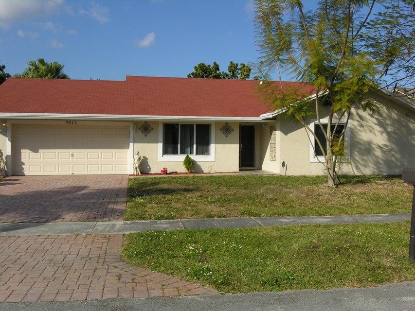 7311 NW 46 Street, Lauderhill, FL 33319