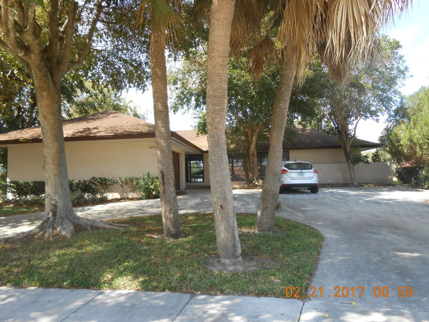 12831  Guilford Circle is listed as MLS Listing RX-10309954 with 5 pictures