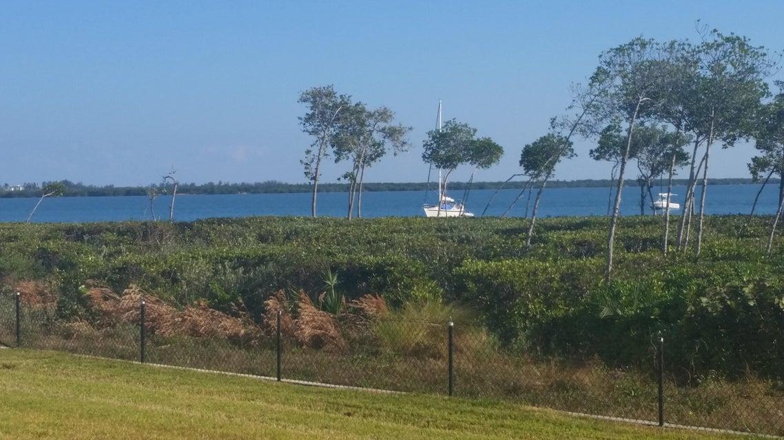 27 Harbour Isle Drive W 105, Hutchinson Island, FL 34949