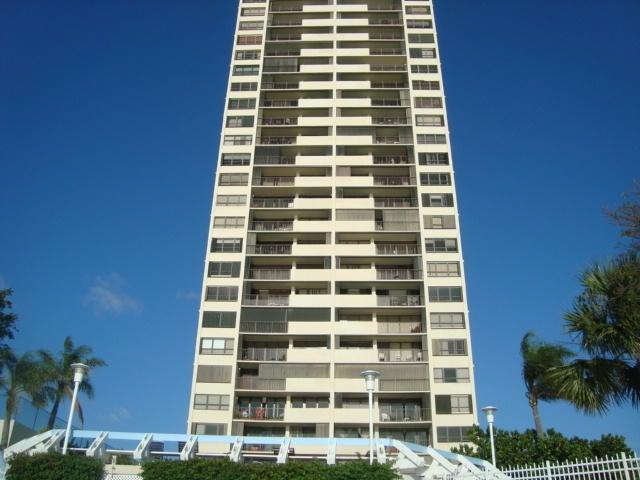 合作社 / 公寓 为 出租 在 5600 N Flagler Drive E 5600 N Flagler Drive E 西棕榈滩, 佛罗里达州 33407 美国