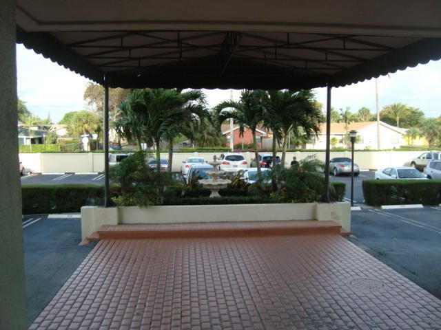Additional photo for property listing at 5600 N Flagler Drive E 5600 N Flagler Drive E West Palm Beach, Florida 33407 Vereinigte Staaten