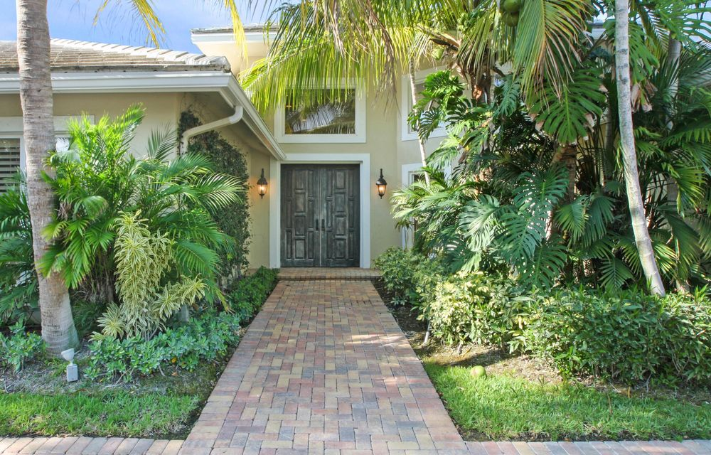 12140 Longwood Green Drive - Wellington, Florida