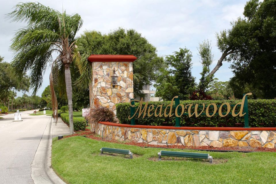 9460  Meadowood  is listed as MLS Listing RX-10310486 with 35 pictures