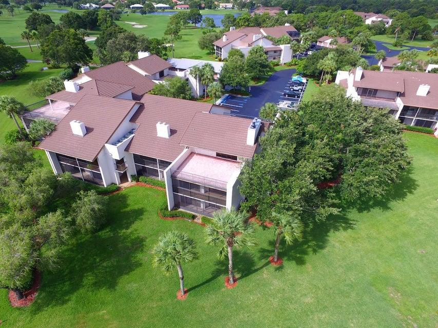 Condominium for Sale at 9460 Meadowood Drive # 205 9460 Meadowood Drive # 205 Fort Pierce, Florida 34951 United States
