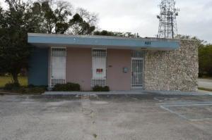 Oficinas por un Alquiler en 401 S 7th S Street 401 S 7th S Street Fort Pierce, Florida 34950 Estados Unidos
