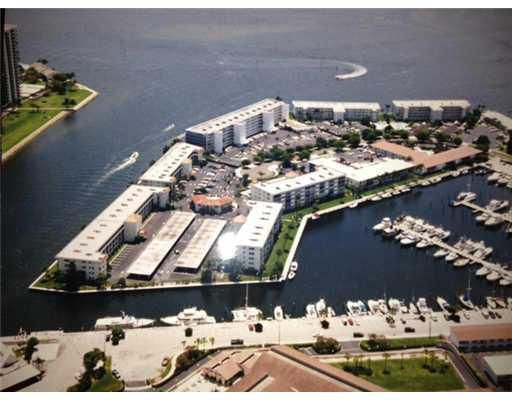 29  Yacht Club Drive is listed as MLS Listing RX-10310703 with 7 pictures