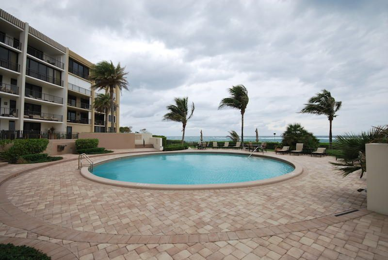INLET PLAZA COND              UNIT 204