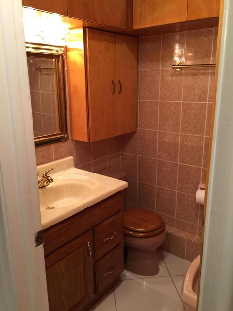 Additional photo for property listing at 1032 North Drive 1032 North Drive Delray Beach, Florida 33445 United States