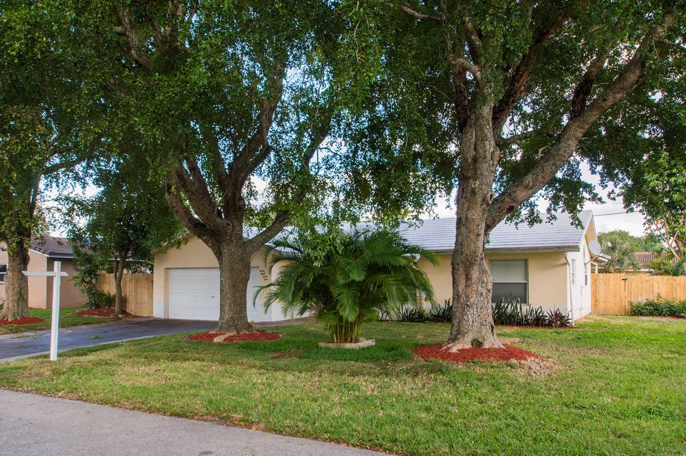 3861 NW 78 Way, Coral Springs, FL 33065