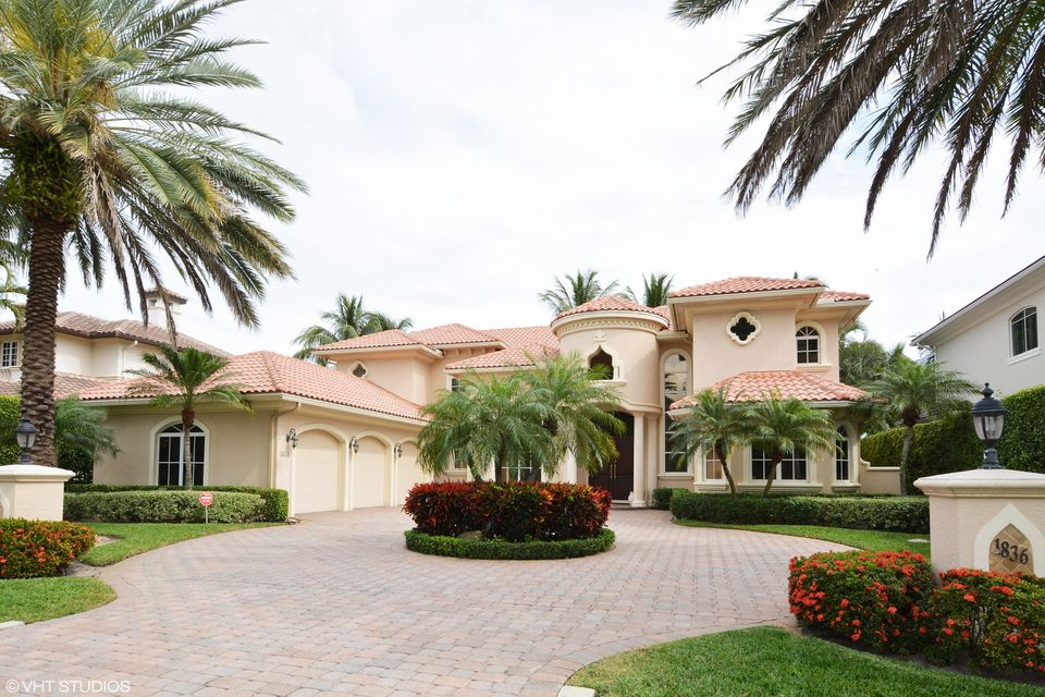 ROYAL PALM YACHT AND COUNTRY CLUB home on 1836  Sabal Palm Drive