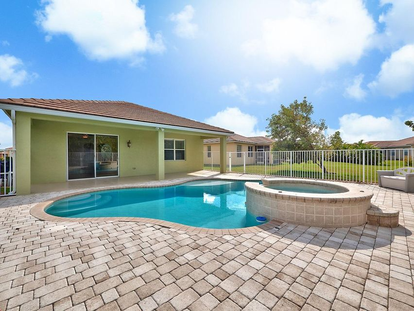9736 SW Eastbrook Circle, Port Saint Lucie, FL 34987