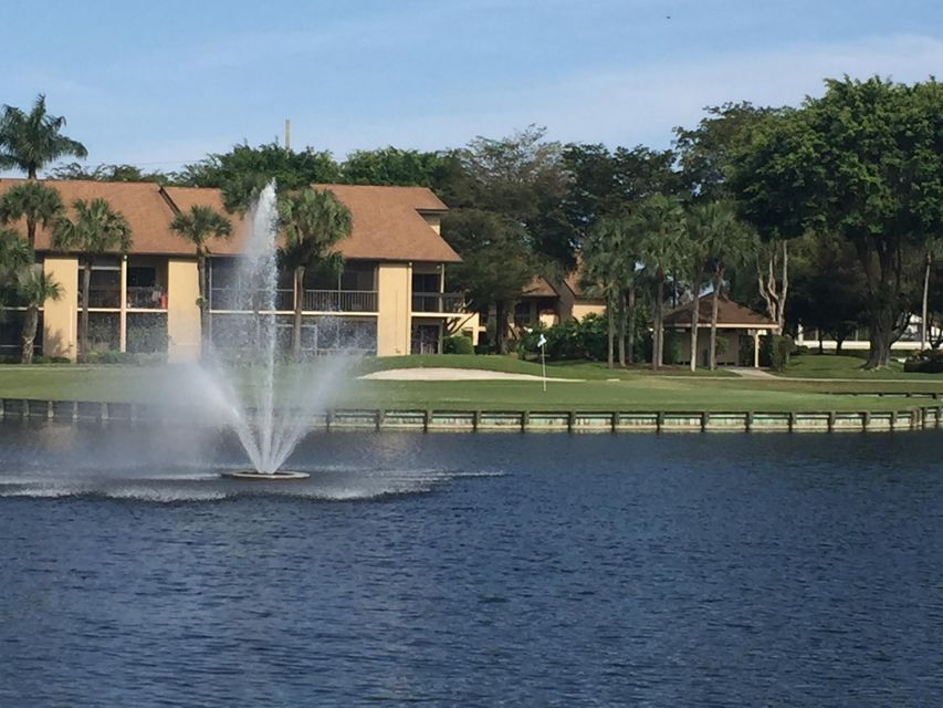 Additional photo for property listing at 5188 Oak Hill Lane  Delray Beach, Florida 33484 États-Unis