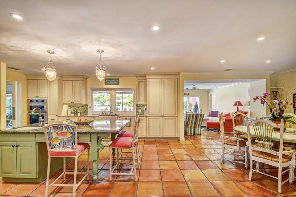 Additional photo for property listing at 1011 Beach Drive 1011 Beach Drive Delray Beach, Florida 33483 Estados Unidos