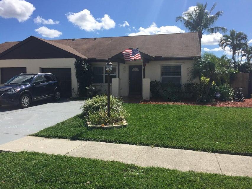 8466 Blue Cypress Drive, Lake Worth, FL 33467