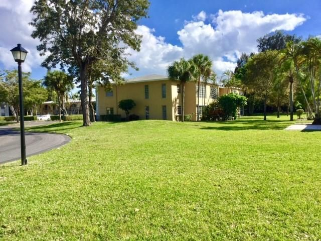Palm Greens Condo 1 13702 Via-flora