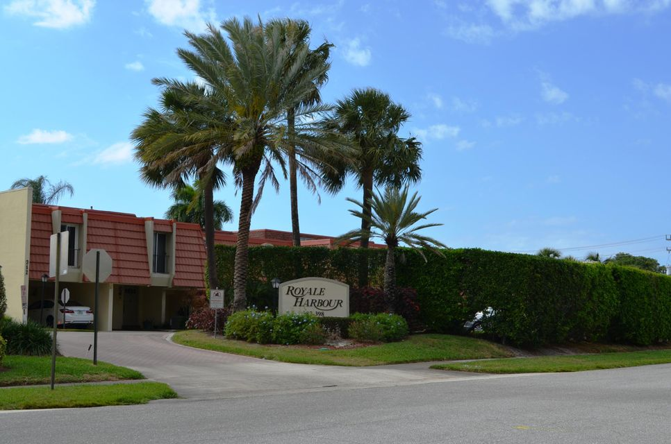 384 Golfview Road D, North Palm Beach, FL 33408