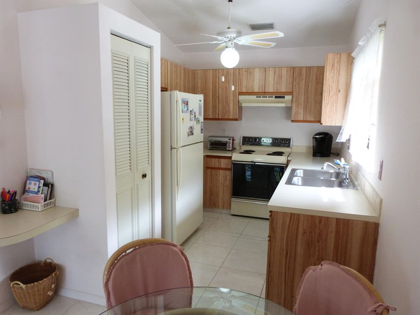Additional photo for property listing at 3346 Perimeter Drive  Greenacres, Florida 33467 United States