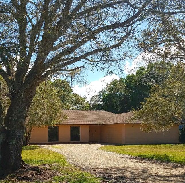 1303 White Oak Lane, Fort Pierce, FL 34982