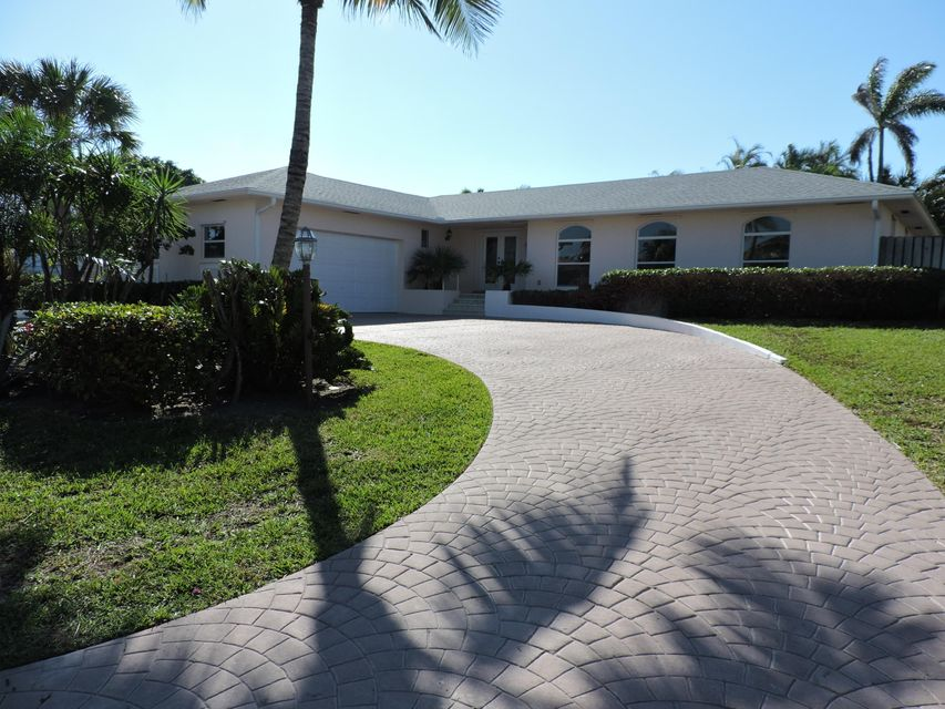 New Home for sale at 139 Beacon Lane in Jupiter Inlet Colony