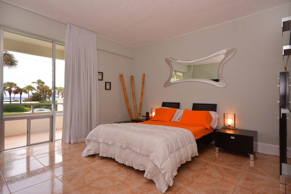 Additional photo for property listing at 3051 S Ocean Boulevard  Boca Raton, Florida 33432 États-Unis