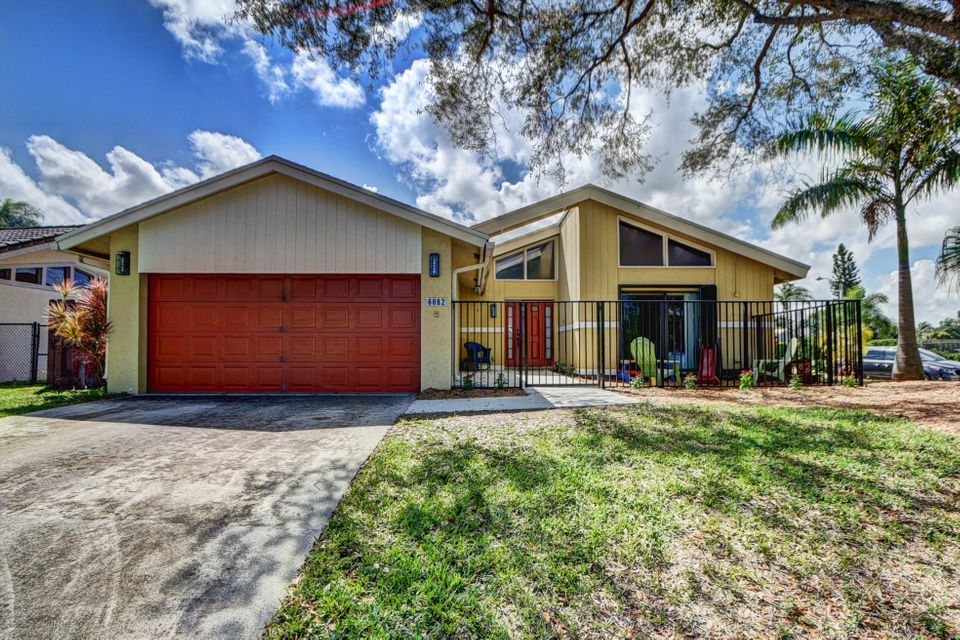 6082 Amberwoods Drive, Boca Raton, FL 33433