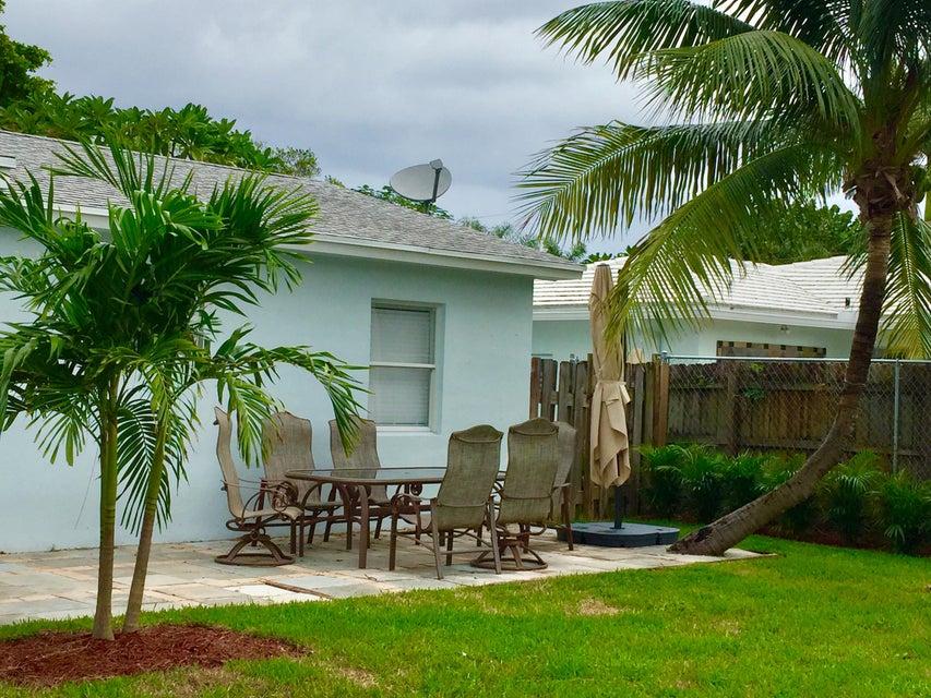 800 Bond Way, Delray Beach, FL 33483
