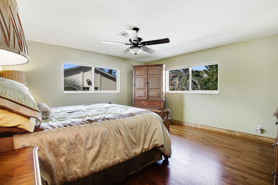 Additional photo for property listing at 4206 S Ocean Boulevard 4206 S Ocean Boulevard Highland Beach, Florida 33487 United States