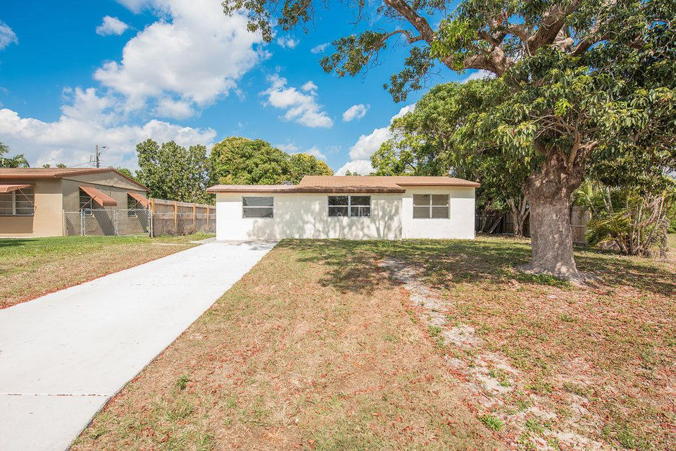 251 N Atlantic Drive, Boynton Beach, FL 33435