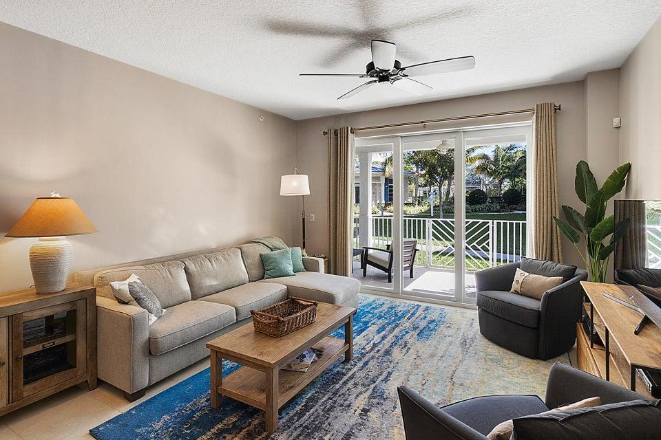 814 Bay Colony Drive S With Boatslip, Juno Beach, FL 33408