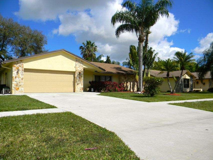 New Home For Sale At 7505 Woodland Creek Lane In Lake Worth