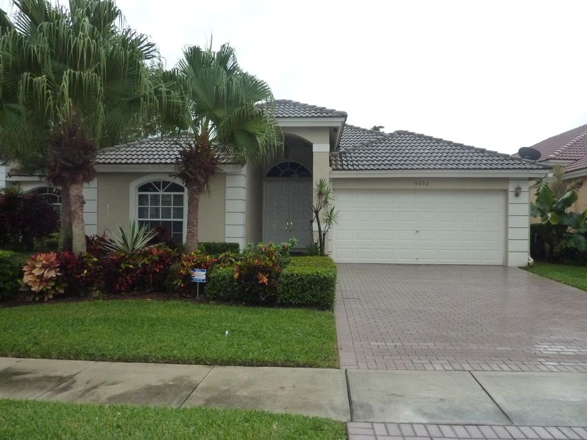 5592 Fountains Drive  Lake Worth, FL 33467