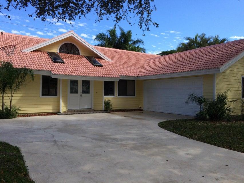 128 Bayberry Circle, Jupiter, FL 33458
