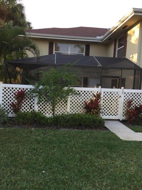 35 Danbury Court C  Royal Palm Beach, FL 33411