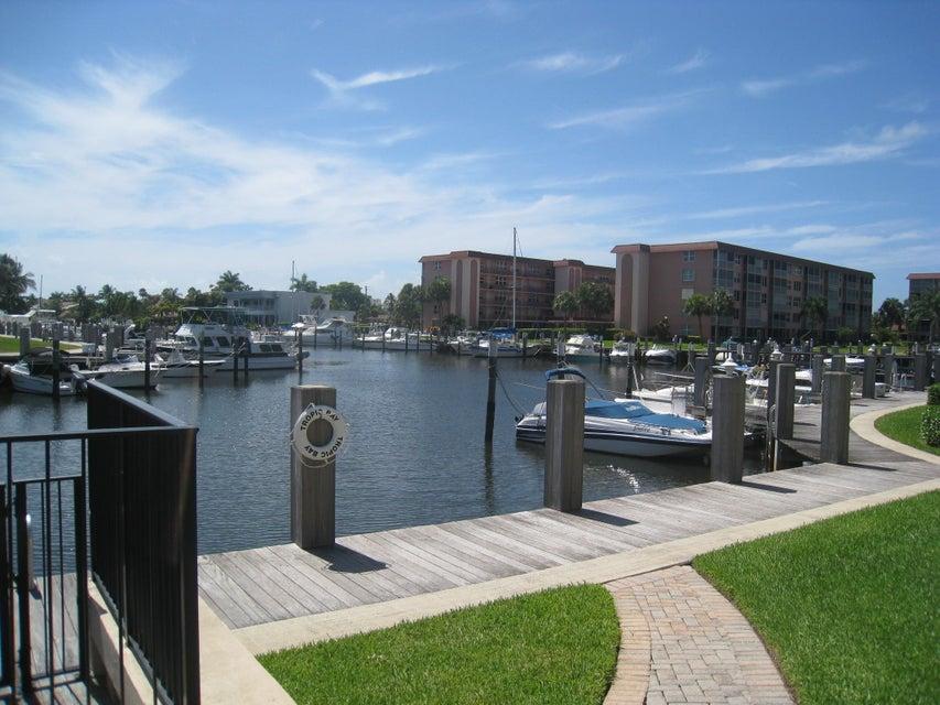Konsum / Eigentumswohnung für Verkauf beim 2525 Florida Boulevard 2525 Florida Boulevard Delray Beach, Florida 33483 Vereinigte Staaten