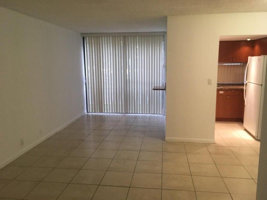 16919 N Bay Road 117, Sunny Isles Beach, FL 33160