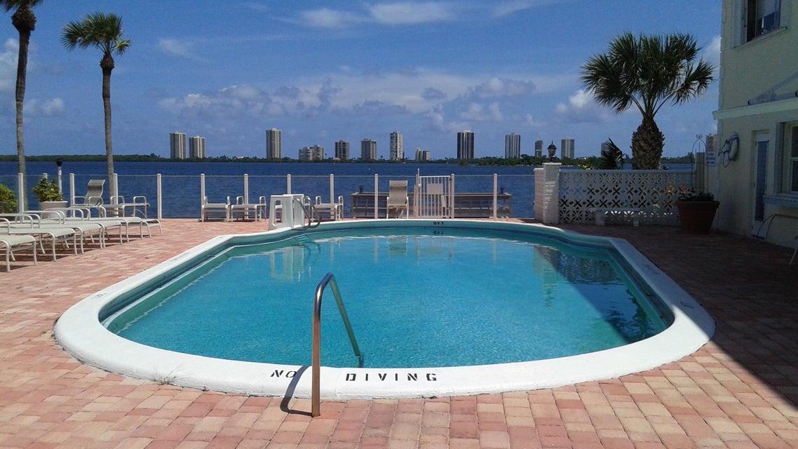 100 Doolen Court 112, North Palm Beach, FL 33408