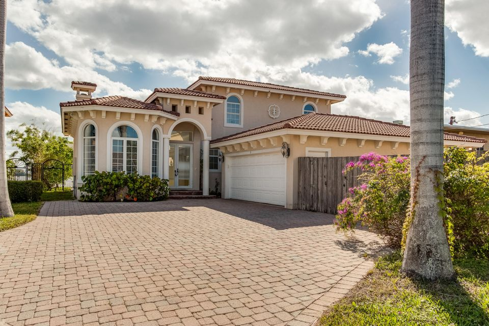Home for sale in LAKESIDE PALMS Lake Worth Florida