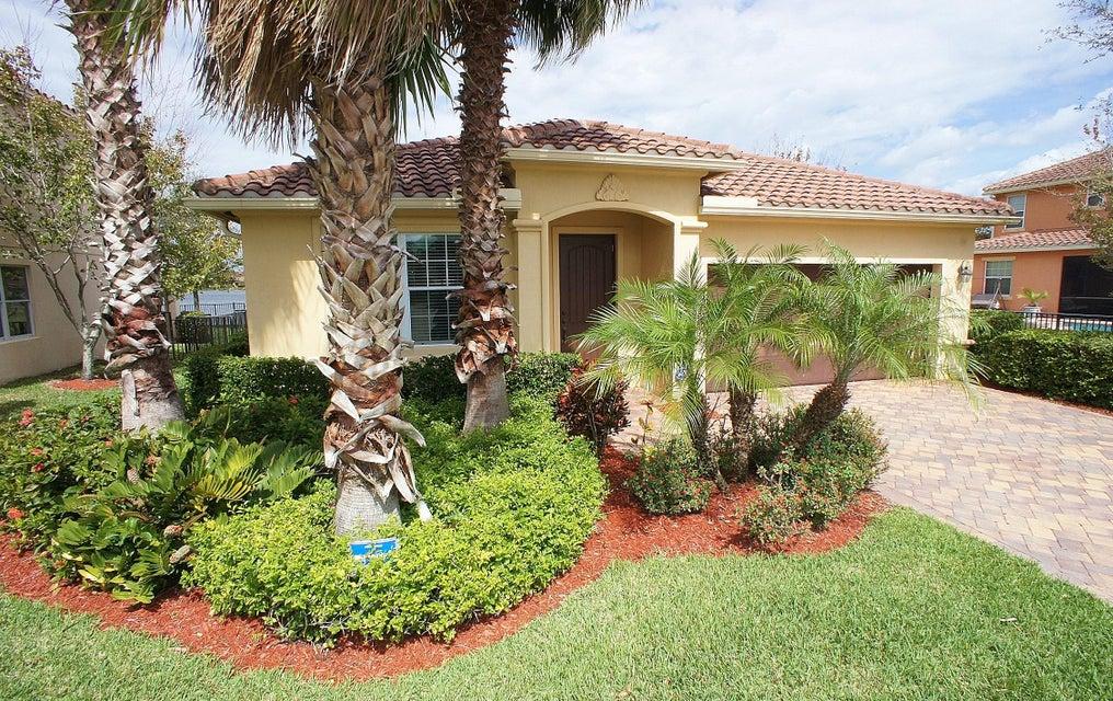 10587 Ivanhoe Lane  Wellington, FL 33414