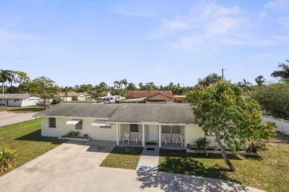 237 Akron Road , Lake Worth FL 33467 is listed for sale as MLS Listing RX-10314177 11 photos