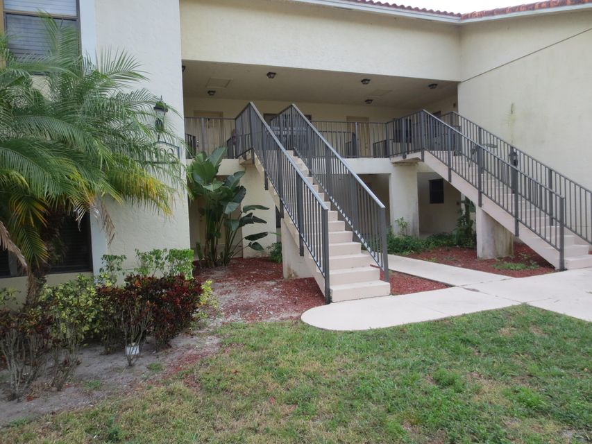 1700 Windorah Way A , West Palm Beach FL 33411 is listed for sale as MLS Listing RX-10313932 13 photos